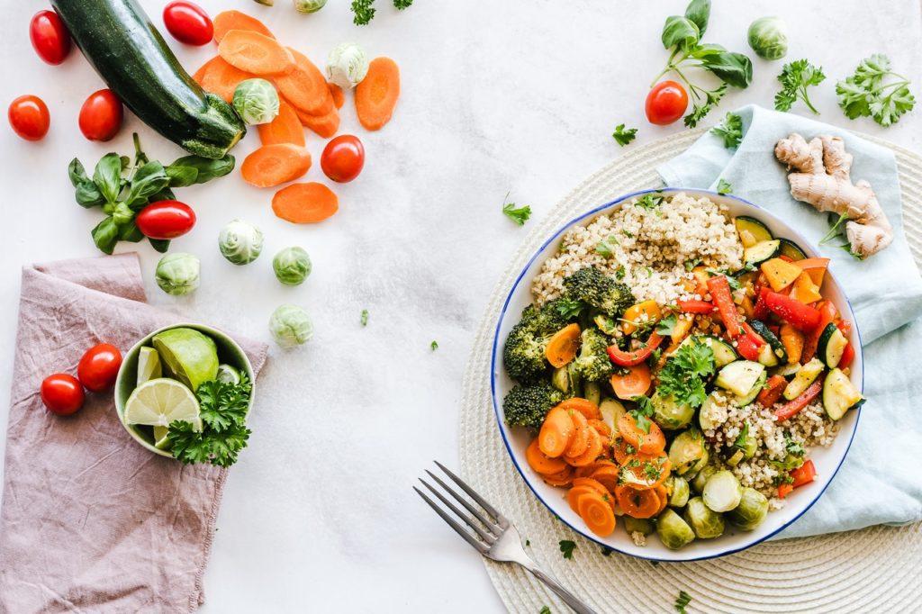légumes dans assiette
